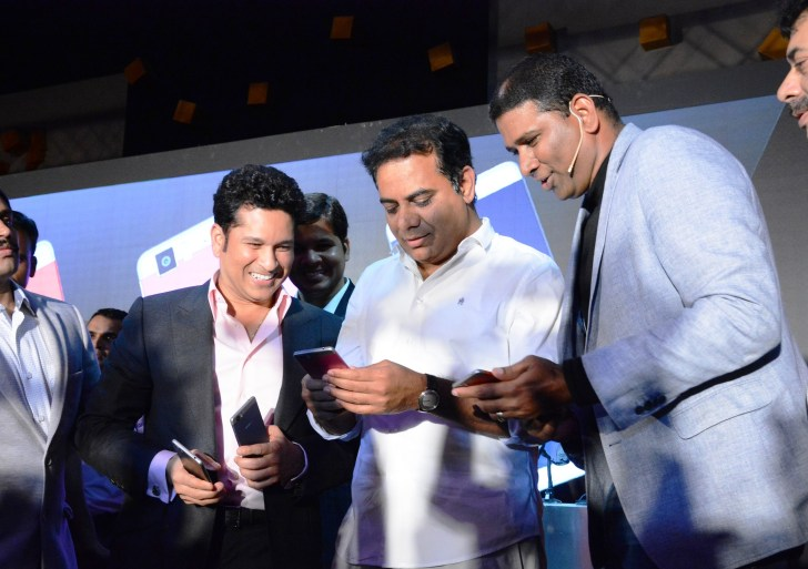 Sachin Tendulkar backed Smartron launched tPhone; priced at Rs 22,999