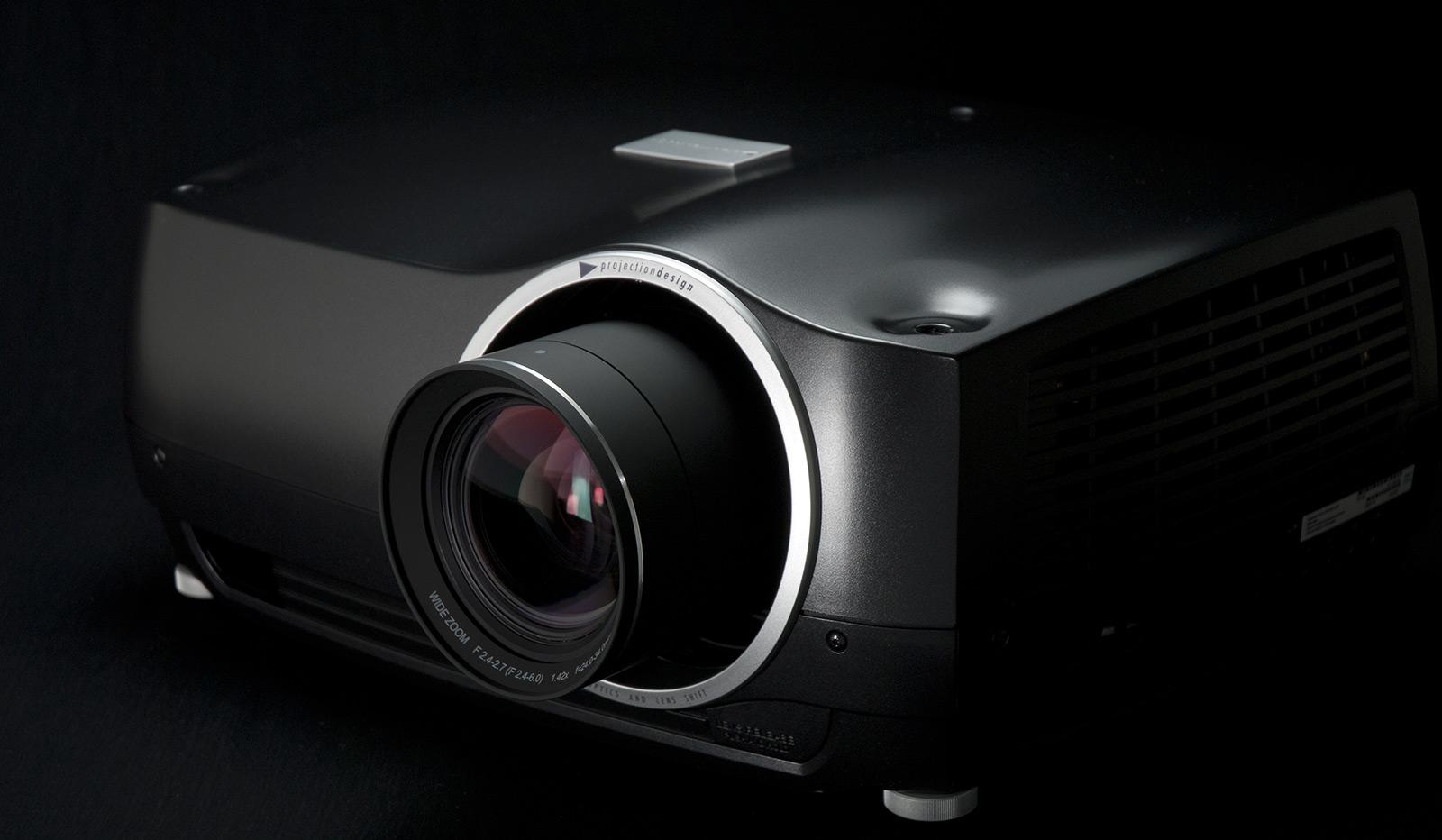 projectordesign-f35-as3d-projector
