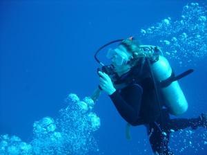 Tee scuba diving