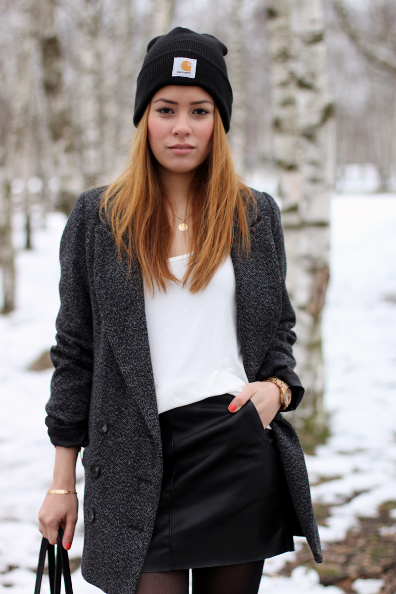 Jade Farbe Outfit: Little Black Leather Skirt » Teetharejade