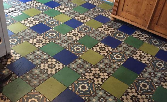 Patchwork groen blauw tinten keuken