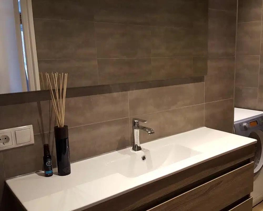 Houtlook Tegels Badkamer : Vloertegels houtlook badkamer wandtegel badkamer houtlook