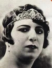 Qamar-ol-Moluk_Vaziri_female_singer_of_Persia