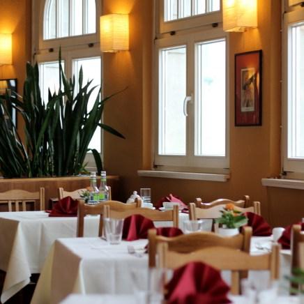 Das Restaurant ist sauber, aber das Ambiente passt nicht zum äußeren