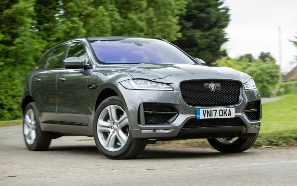 Interieur E Pace Jaguar Jaguar F Pace Review This Sporty Suv Takes The Fight To Porsche