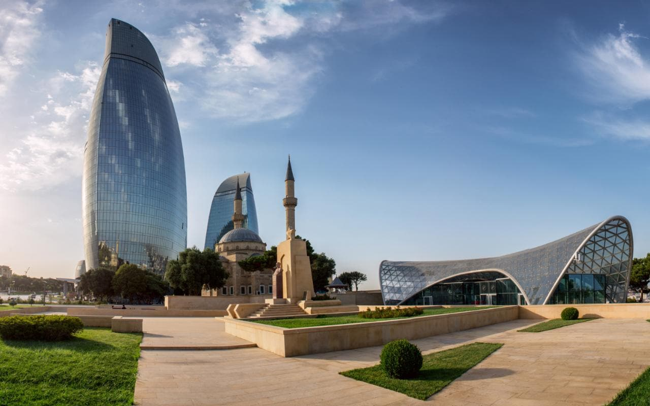 Restaurant Baku Baku F1 Comes Home To The City Of Bling