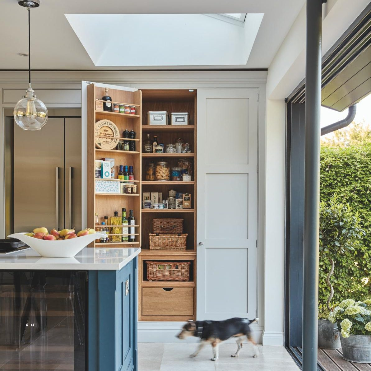 Kitchen Design Uk Images Why The Country Style Kitchen Is Back In Vogue