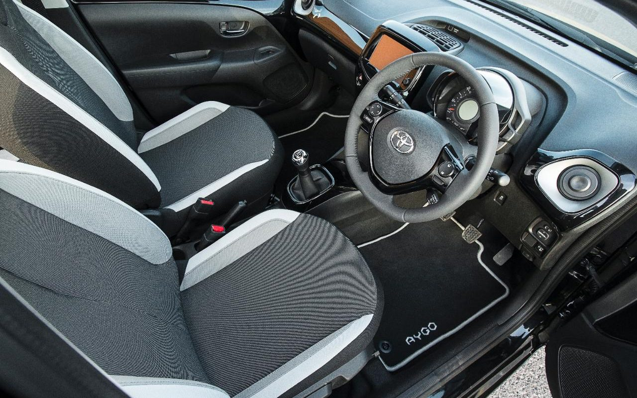 Interieur Toyota Aygo Toyota Aygo Review