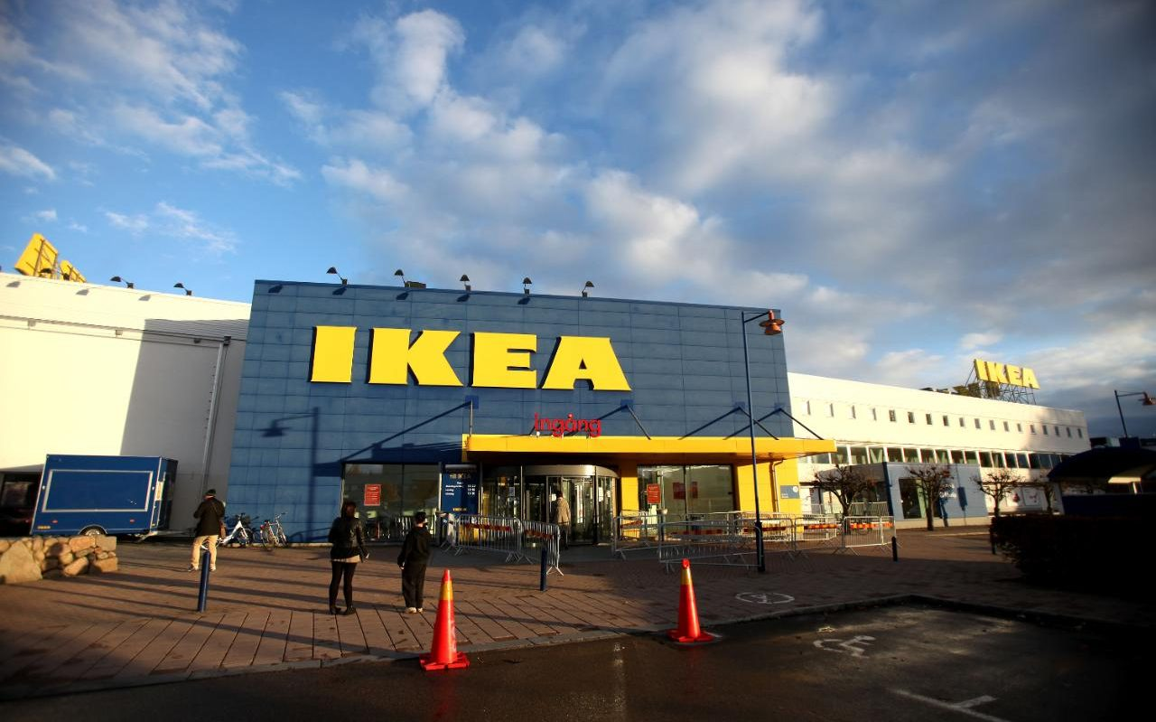 Ikea Bank Bad French Mayor Forced To Apologise After Ikea April Fool Backfires
