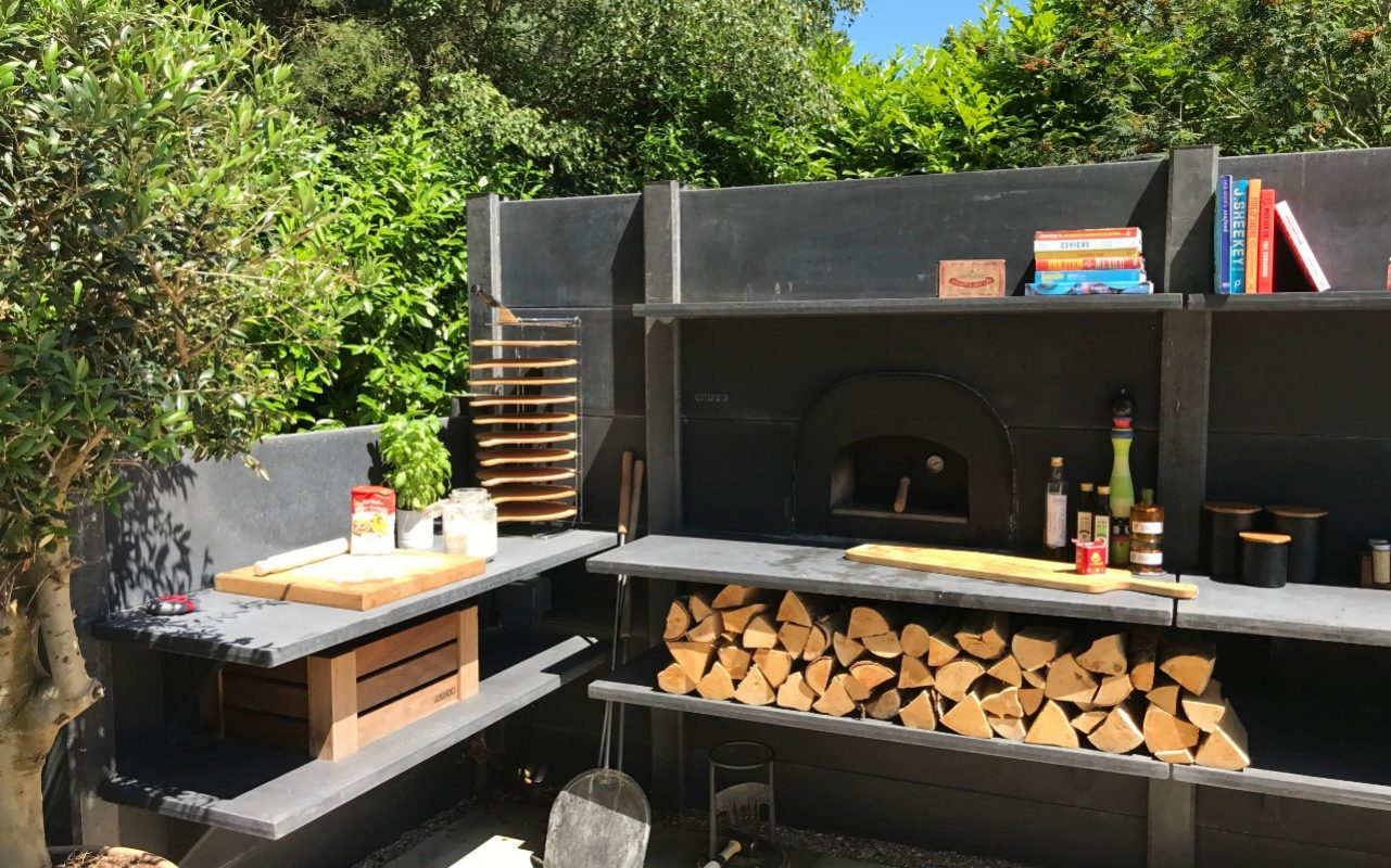 Flat Pack Outdoor Kitchen How To Use Your Barbecue All Year Round Set Up An Outdoor Kitchen