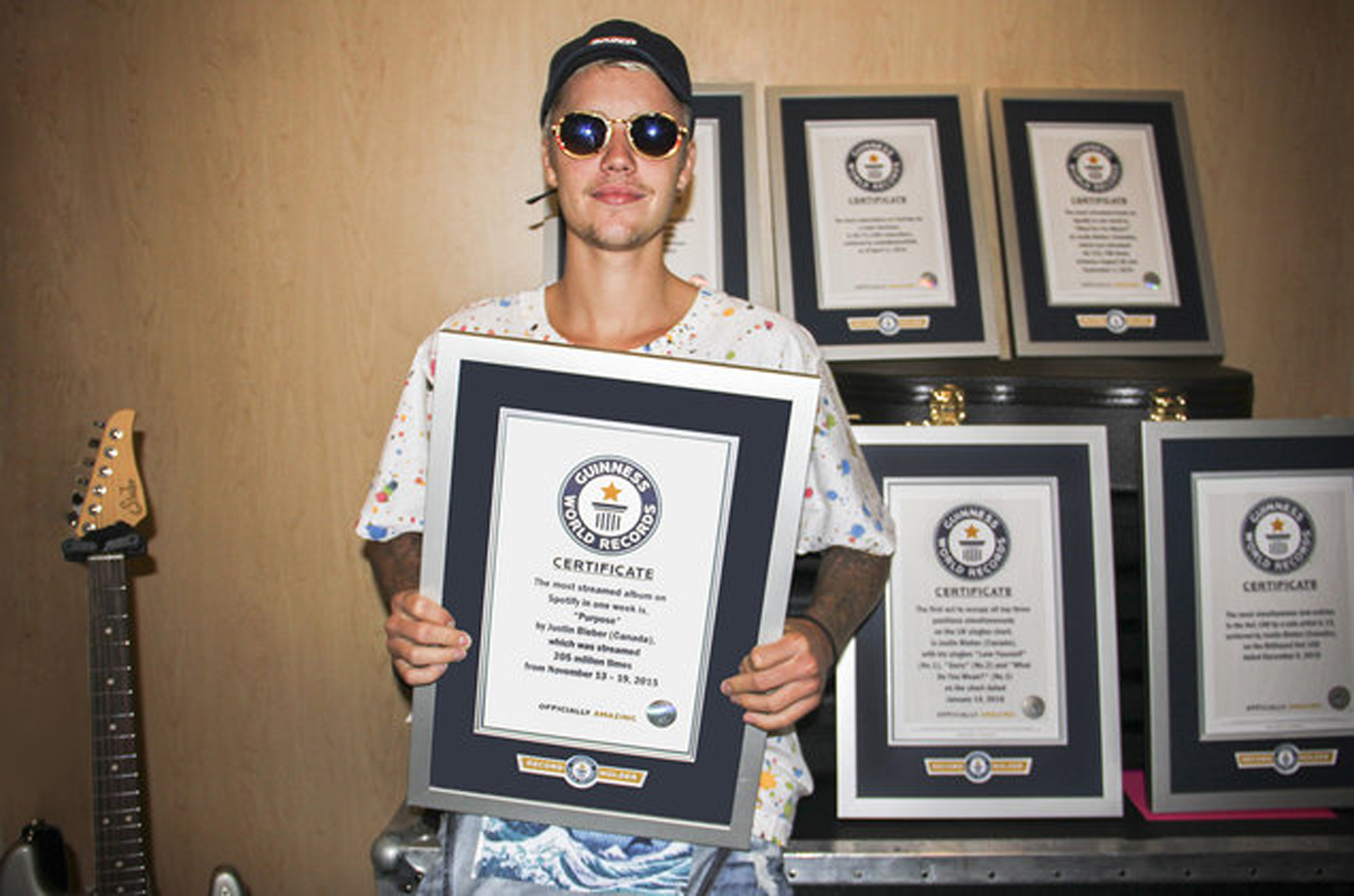 Libro Record Guinness 2017 Justin Bieber Se Anota Ocho Guinness World Records Para El