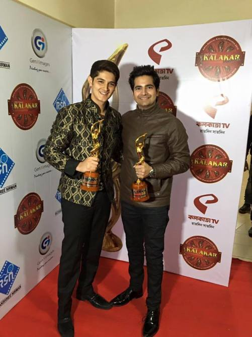 Karan Mehra and Rohan Mehra winning the Best Actor Award Trophies at Kalakar Awards