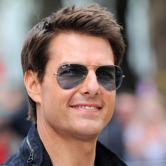 tom cruise, famous left handed people