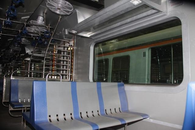 Air conditioned local trains, local trains, local, trains, Mumbai, Mumbaikar, Western Railways, Central Railways, Railways, Rail, Trains