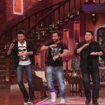 Humshakals team and Kapil grooving on the movie's title track