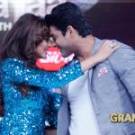 Siddharth and Drashti grooving and dancing on stage