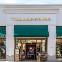 Promenade Temecula, Williams-Sonoma show--farm to table--how cooking fresh is done right at home