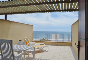 2 Bed Front Line Apartments for sale from  320,000€