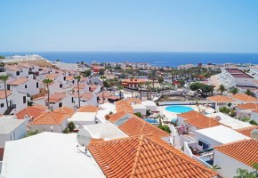 Two Bed Penthouse Apartment with sea-views for sale -185,000€