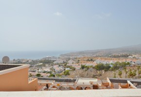 2 bed 2 Bath Townhouse with Sea Views For Sale, Ocean View – 195,000€