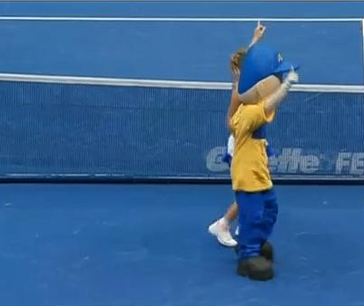 Gillette Federer tour Carolin Wozniacki dance mascot blue court photos images pictures screencaps