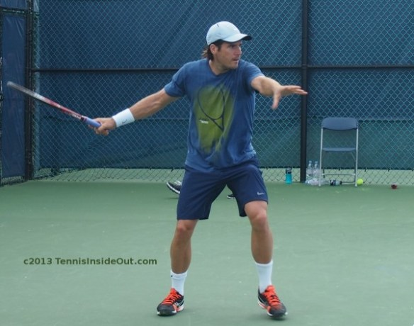 Tommy Haas warm-up practice forehand set up extension red black shoes pics
