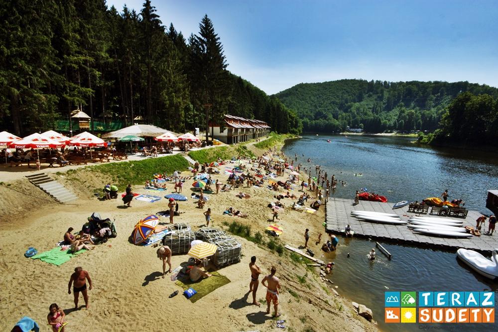 Plaże w Zagórzu Śląskim gotowe na przyjęcie gości (FOTO)