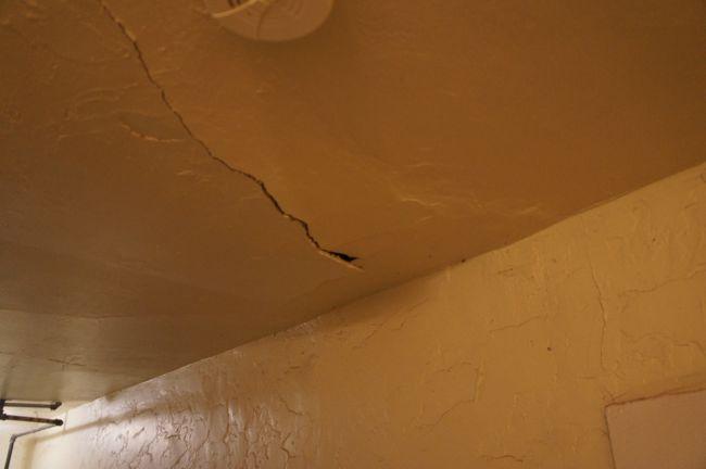 Patch Plaster Cracks Ceiling