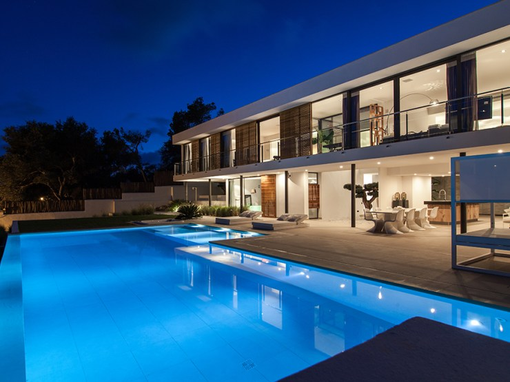 Impressive Villa Emilio with Contemporary Style