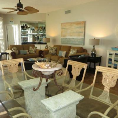 Sterling Sands Destin rental condo dining room