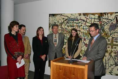 Eine Delegation vom Tierschutzverein Sulz und Umgebung e.V. nahm in Stuttgart den Tierschutzpreis Baden-Württemberg 2005 von Landwirtschaftsminister Peter Hauk (rechts) entgegen.