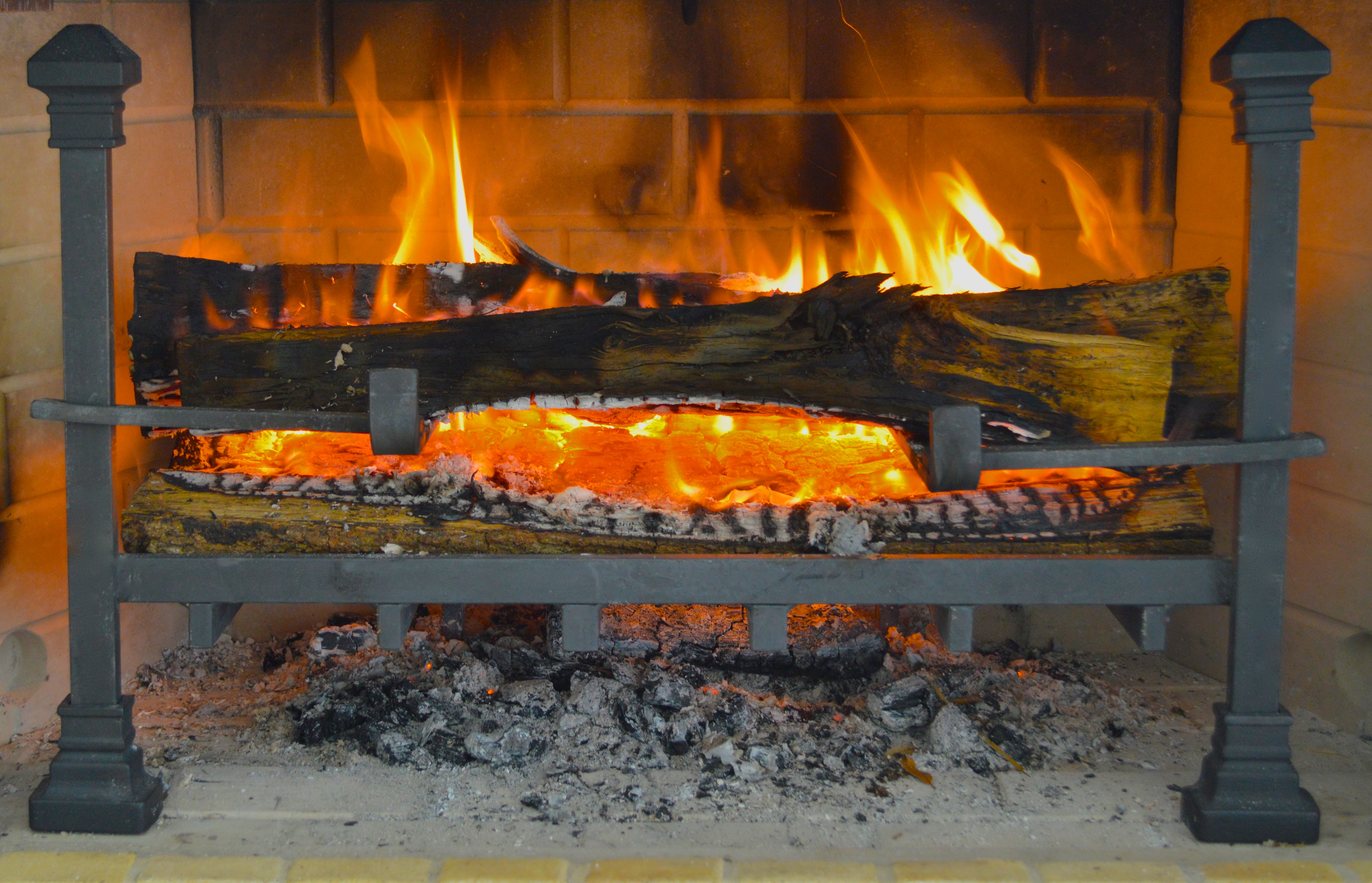 Log On To A Smarter Fireplace Grate Best Fireplace