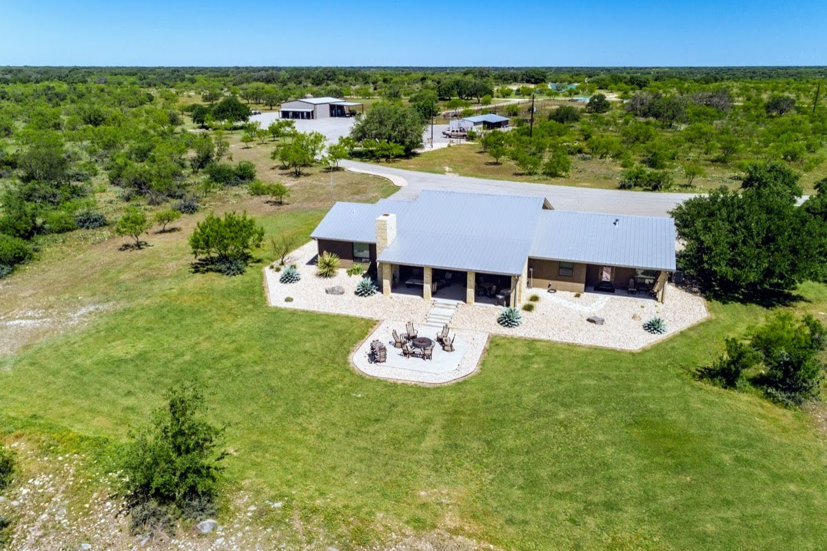 Farmhouse For Sale In Texas Sutton Texas Ranches For Sale