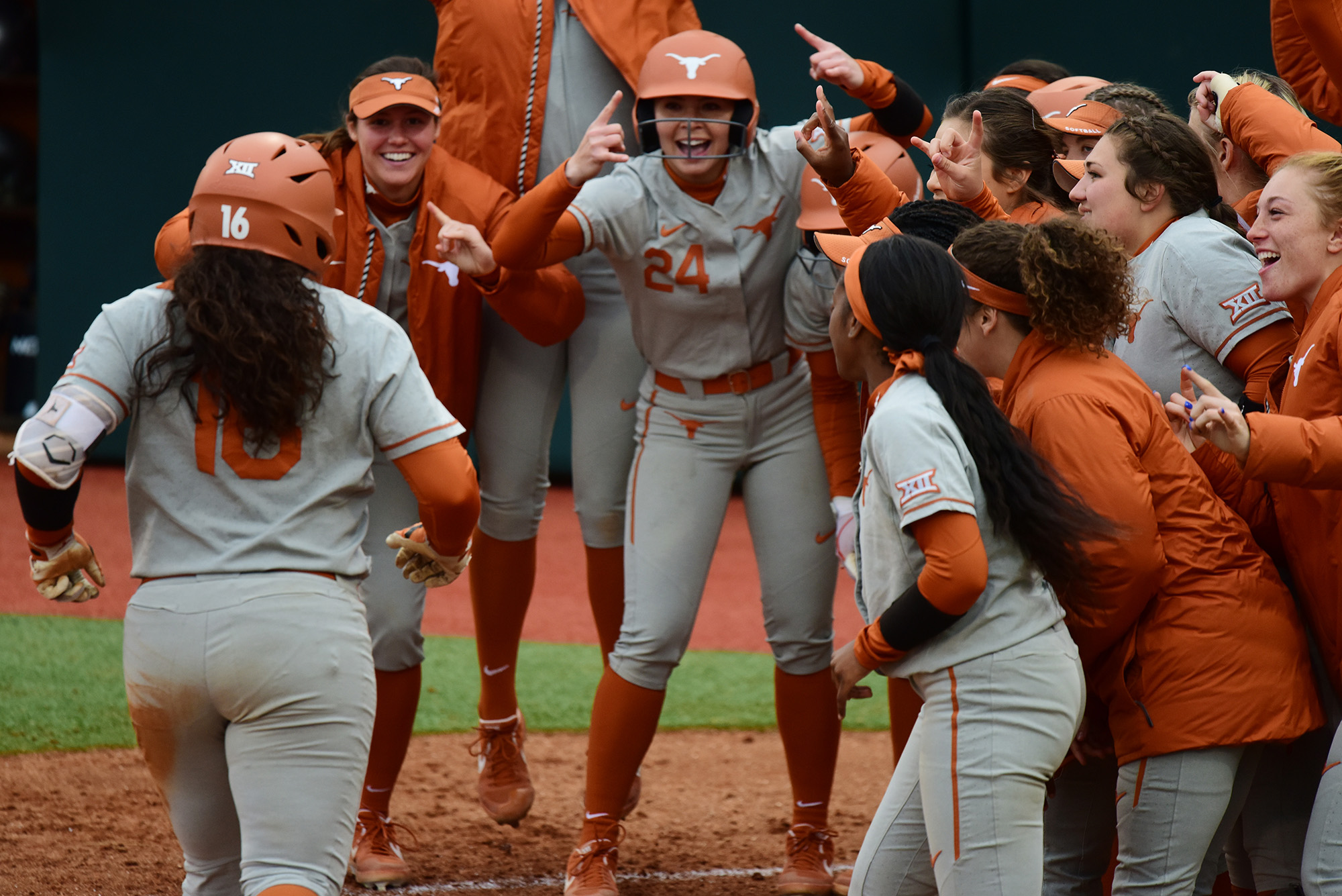 Garage Games Invitational No 9 Softball Preview Longhorn Invitational University Of Texas