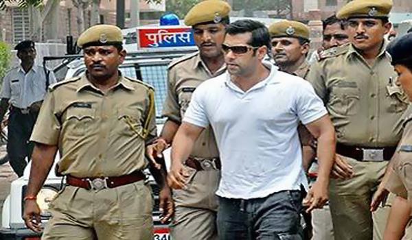 Top 10  खबरे Salman Khan रहें सुर्खियों में !