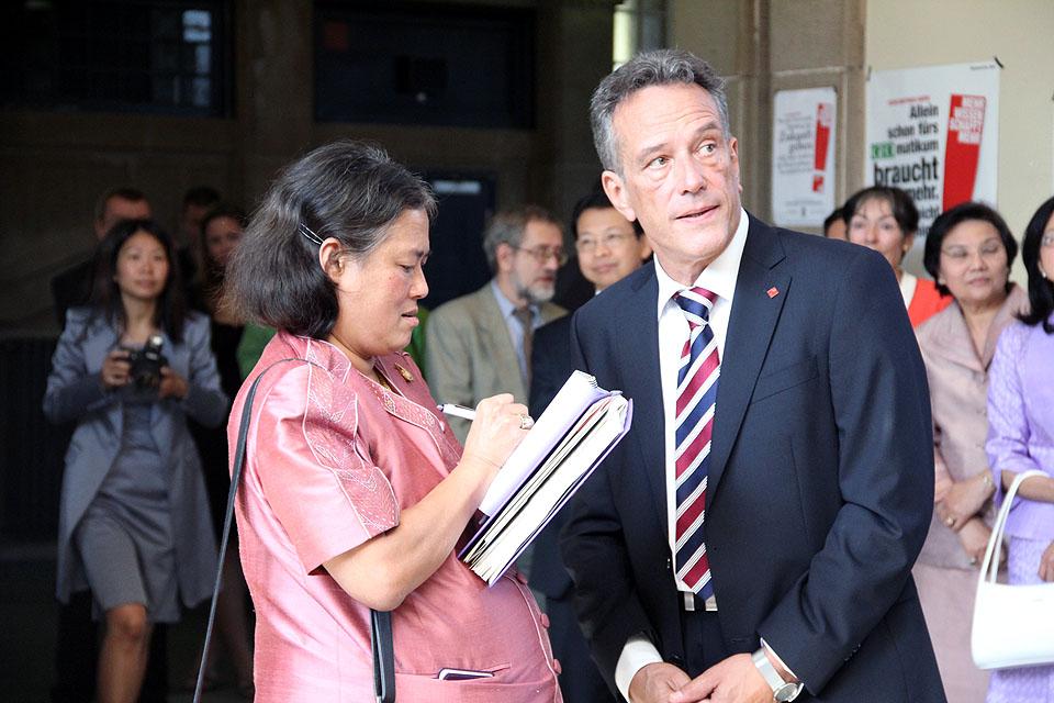 Besuch Prinzessin Sirindhorn am AAI Hamburg (29. Juni 2011) - Bild 06