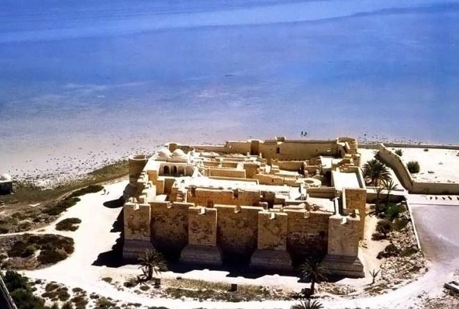 Остров Джерба - крепость Бордж эль-Кебир