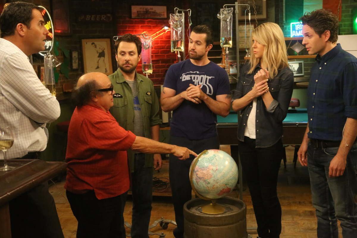 "IT'S ALWAYS SUNNY Season 11 Premiere Debriefing: ""It's like all those other games too, but different enough legally."""