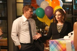 "BONES: L-R: David Boreanaz and Emily Deschanel in the ""The Brain in the Bot"" episode of BONES airing Tuesday, Jan. 10 (9:01-10:00 PM ET/PT) on FOX. ©2016 Fox Broadcasting Co. Cr: Patrick McElhenney/FOX"