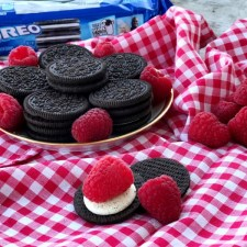 OREO Raspberry Dream