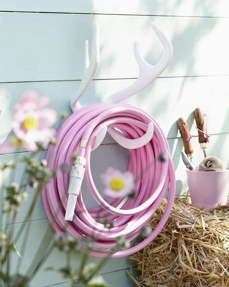 Reindeer wallmount & pink hose by Garden Glory