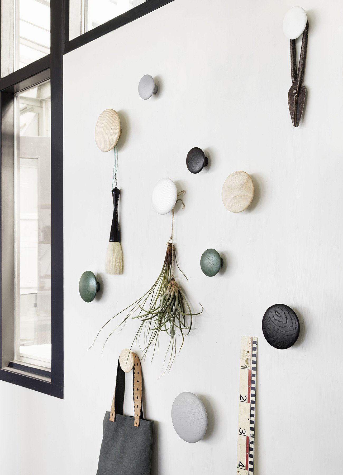 Patere Muuto 17 Beautiful Scandinavian Design Wall Hooks For Your Home