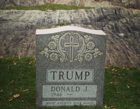 Une vraie (fausse) tombe pour Donald Trump ?!