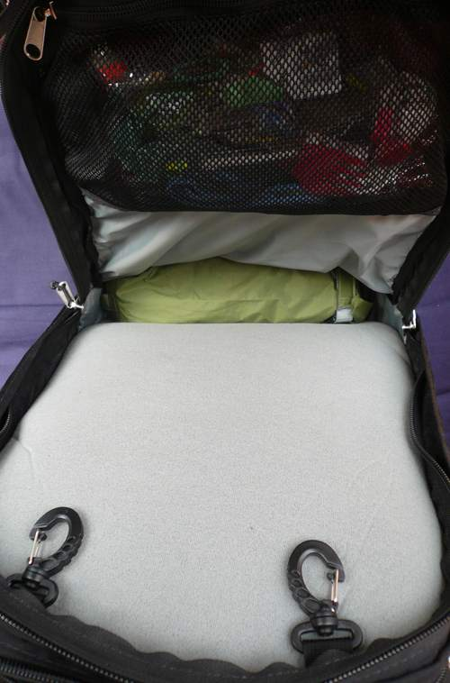 Meta laptop compartment