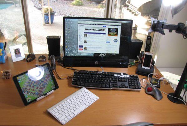 LG desk-2