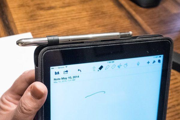 18) Headphone Jack Holder iPad