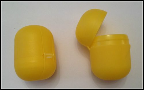 Kinder surprise minion (1)