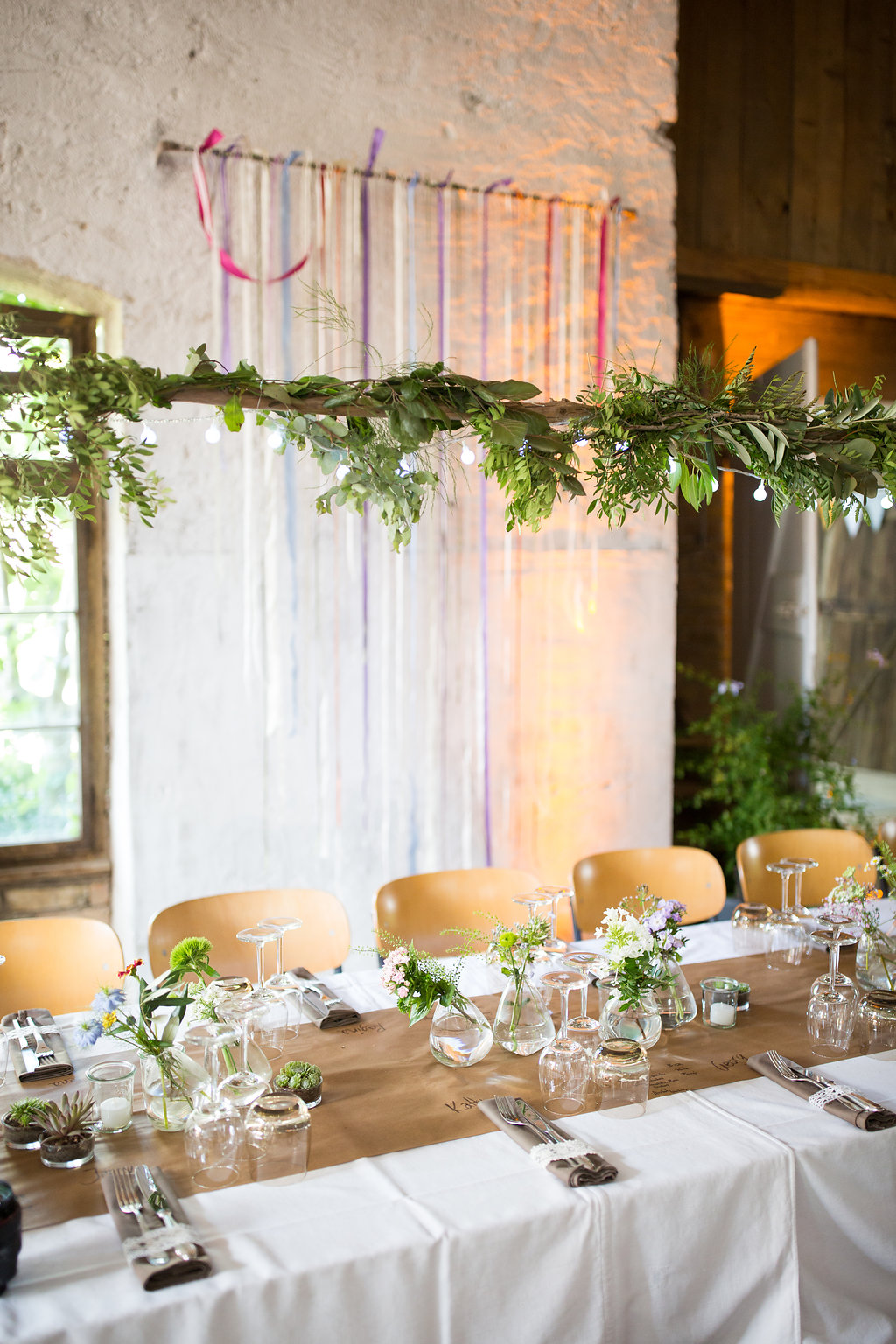 Hochzeitsdeko Landhausstil Rustikale Greenery Deko Hochzeitsblog The Little Wedding Corner