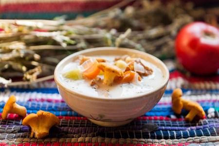 Готовим вместе: молочный суп-похлебка с грибами