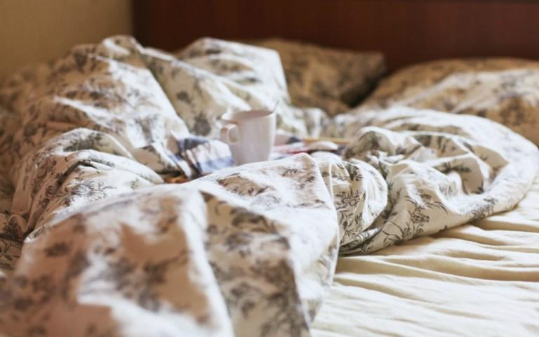 Уютно валяться в кровати вместе с Nouvelle Vague